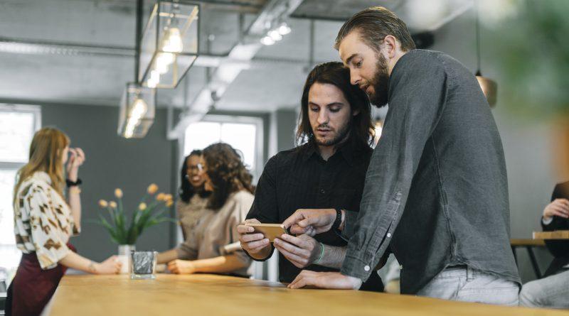 PwC-Studie: Die Deutschen wollen den Personalausweis auf dem Smartphone